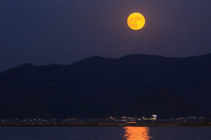 Moon of Omisoka