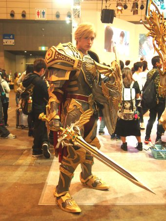 Cosplayer of Lineage 2 Revolution